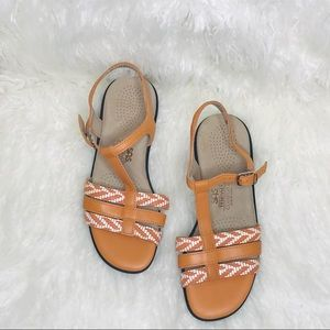 NWOT SAS Tripad comford Capri T-strap sandals